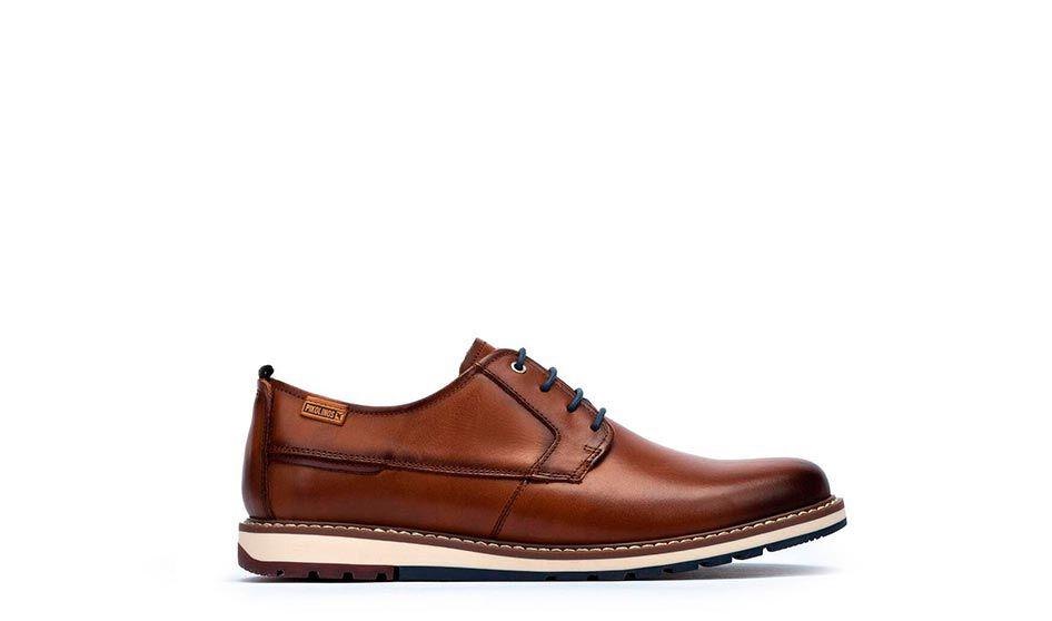 Avila M1T-4050. Zapatos de vestir de hombre con cordones fabricados en piel y de horma ligeramente redondeada.