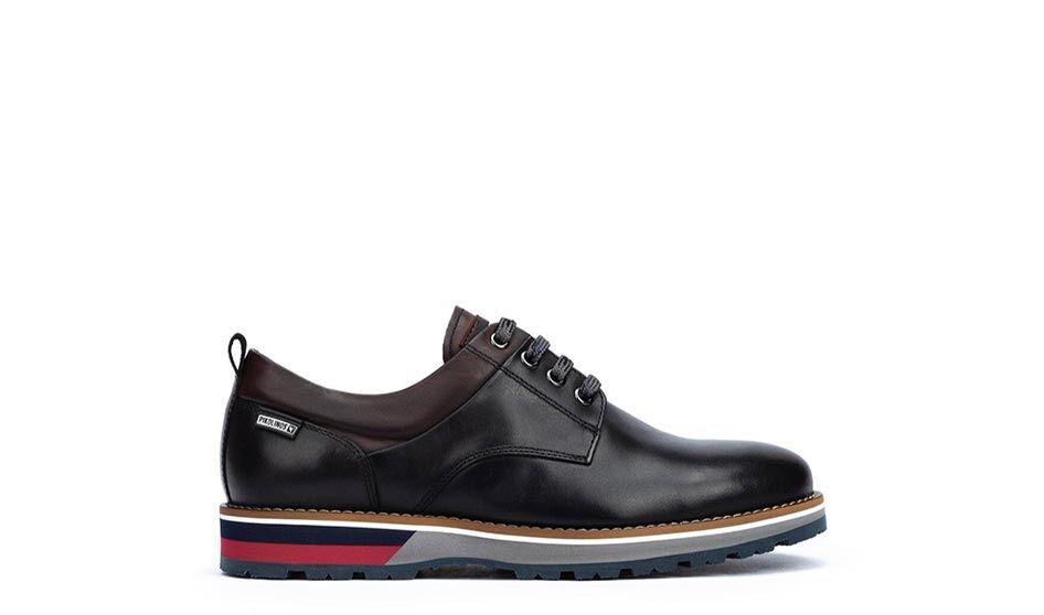 Pirineos M6S-4015. Zapato con detalles montañeros y un look urbano con suela está diseñada en forma de cuña, de un material muy ligero.