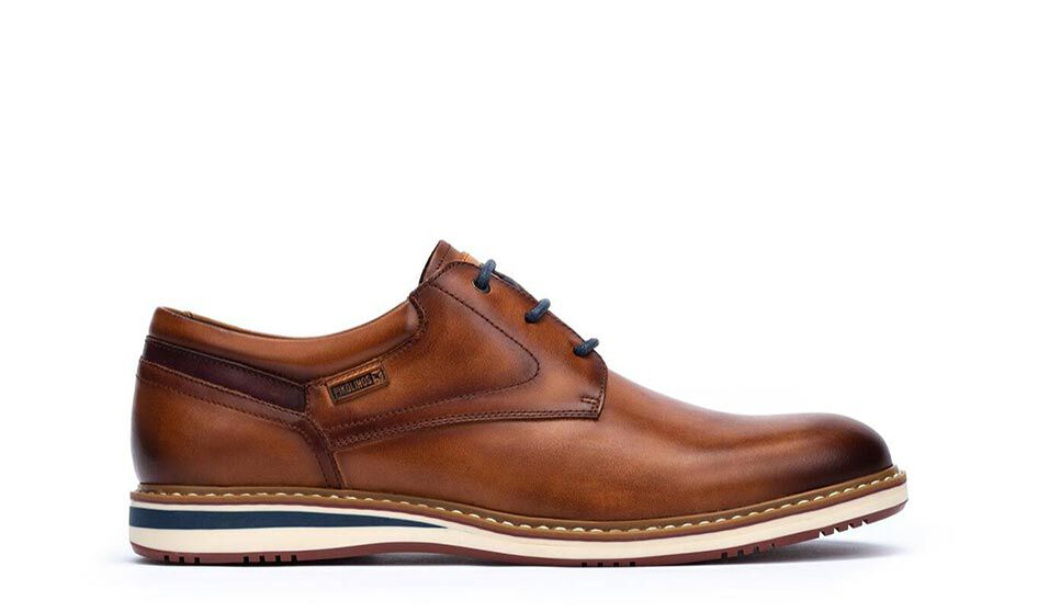Avila M1T-4050. Men's dress leather shoes with slightly rounded last in a classic style.