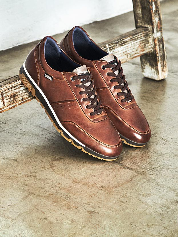 CAMBIL M5N-6344C2. Men's leather sports double texture and elastic closure.