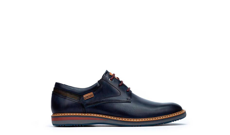 Avila M1T-4050. Men's dress shoes with laces made of leather and slightly rounded last.