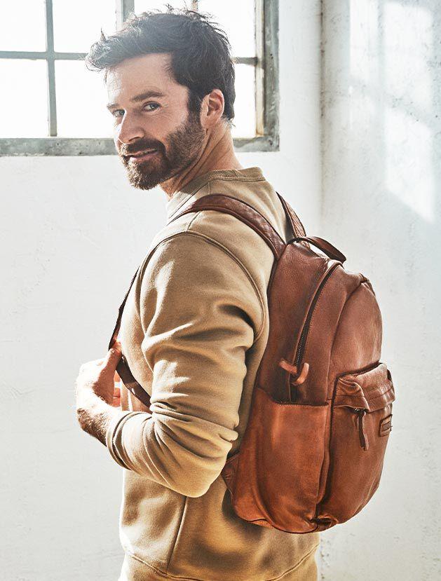 Caimari MHA-779. Mochila de piel estilo vintage para hombre.