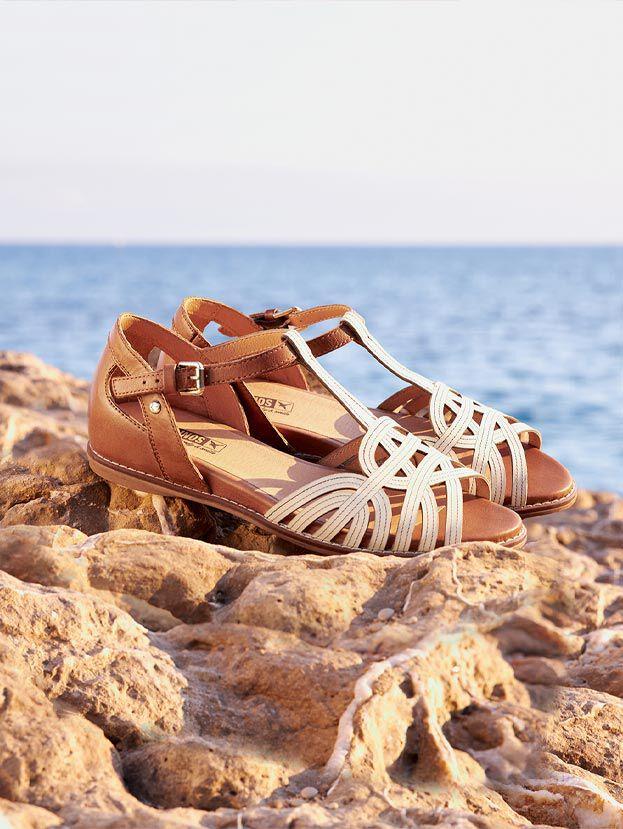 Talavera. W3D-0668C1. Sandalia de piel para mujer con refuerzo en el talón y atada al tobillo en color blanco.
