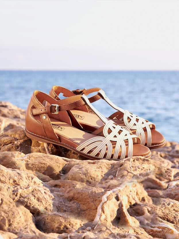 Ibiza W5N-0559C1. Leather sandals for women with strips of different shades.
